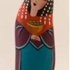 le santon la reine de la crèche en galets peints de Martine Gaussen.
