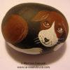 le santon le chien de la crèche moderne en galets peints